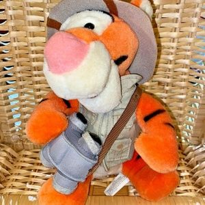 "Collectible Tigger plush Disney 11"" Safari"